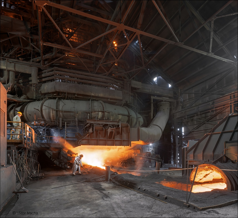 ArcelorMittal Burns Harbor, tapping the blast furnace C