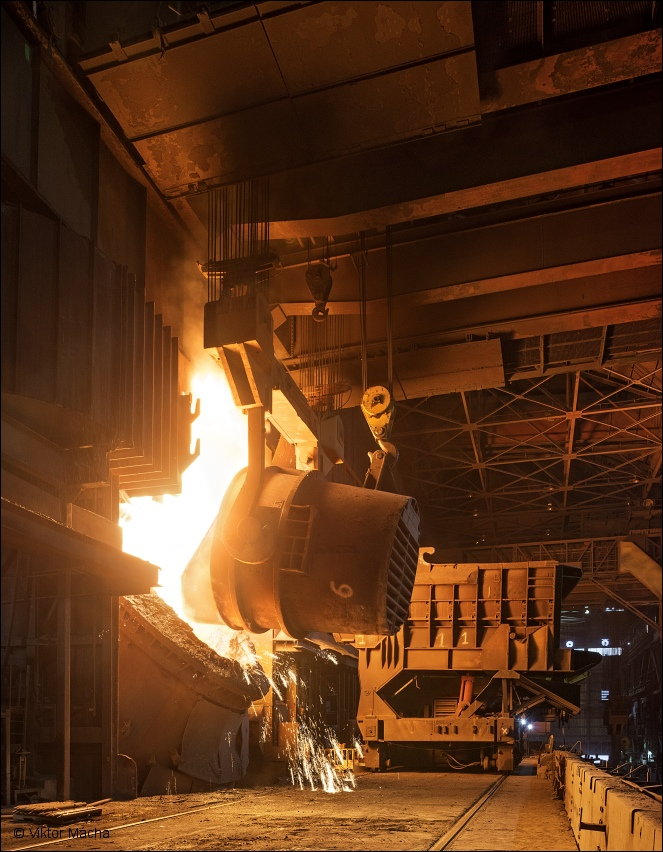 ArcelorMittal Burns Harbor, charging the 350 t converter