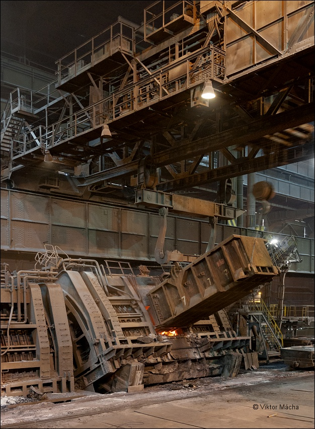 ArcelorMittal Ostrava, charging the tandem furnace