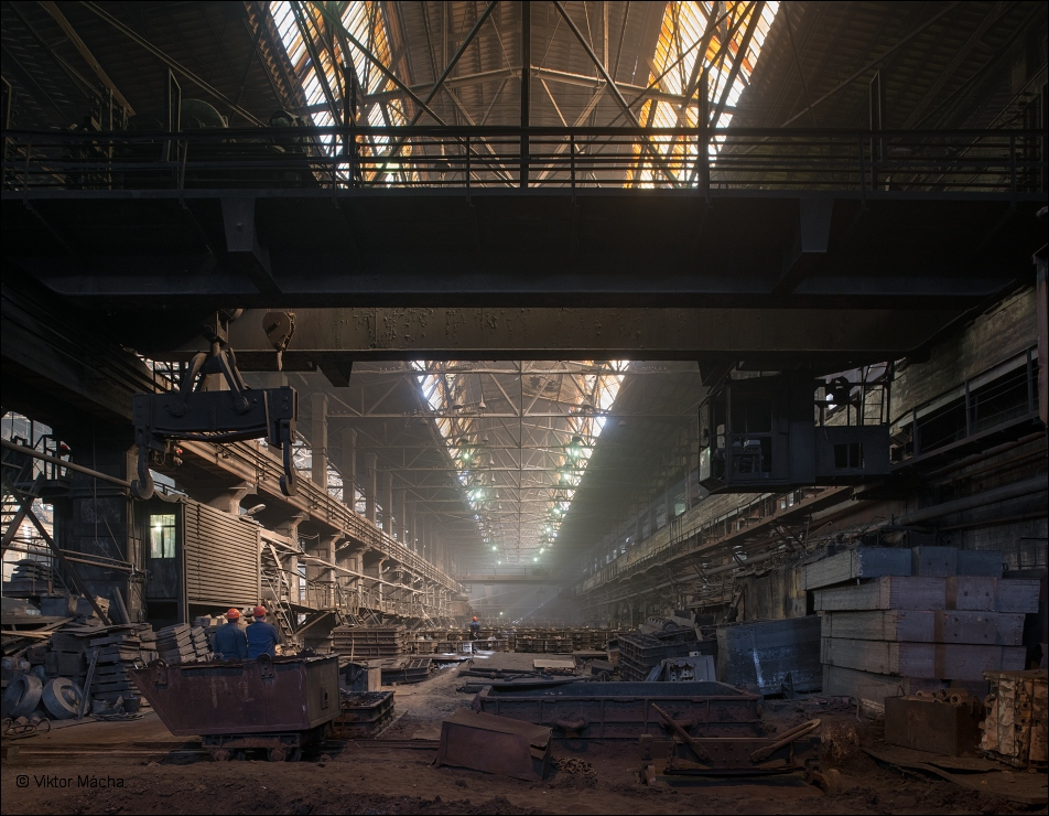 B-stal, steel foundry