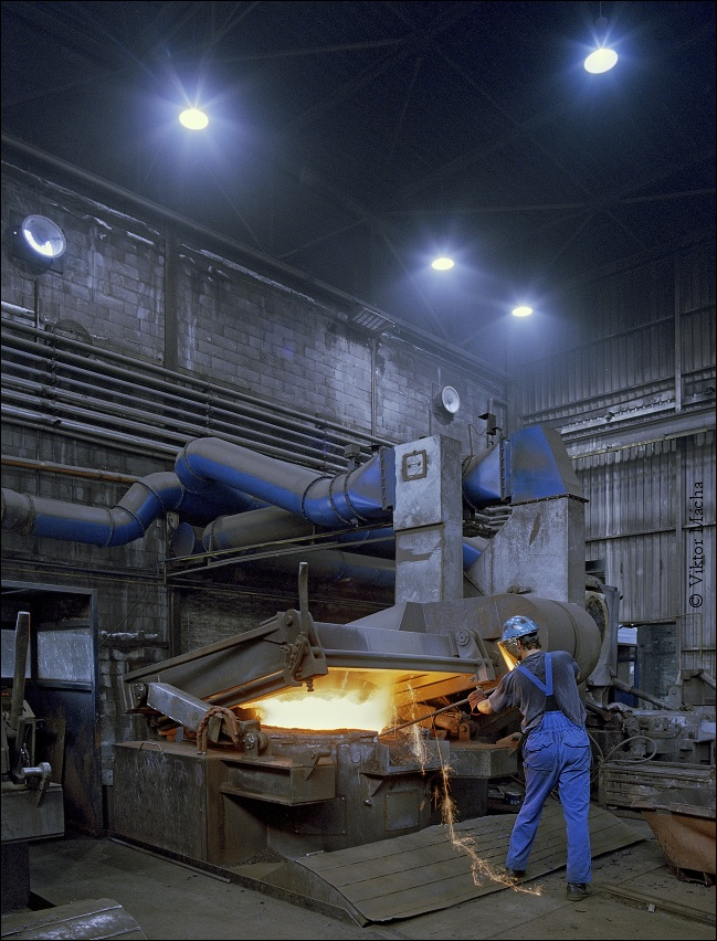 BAK foundry, at the induction furnace