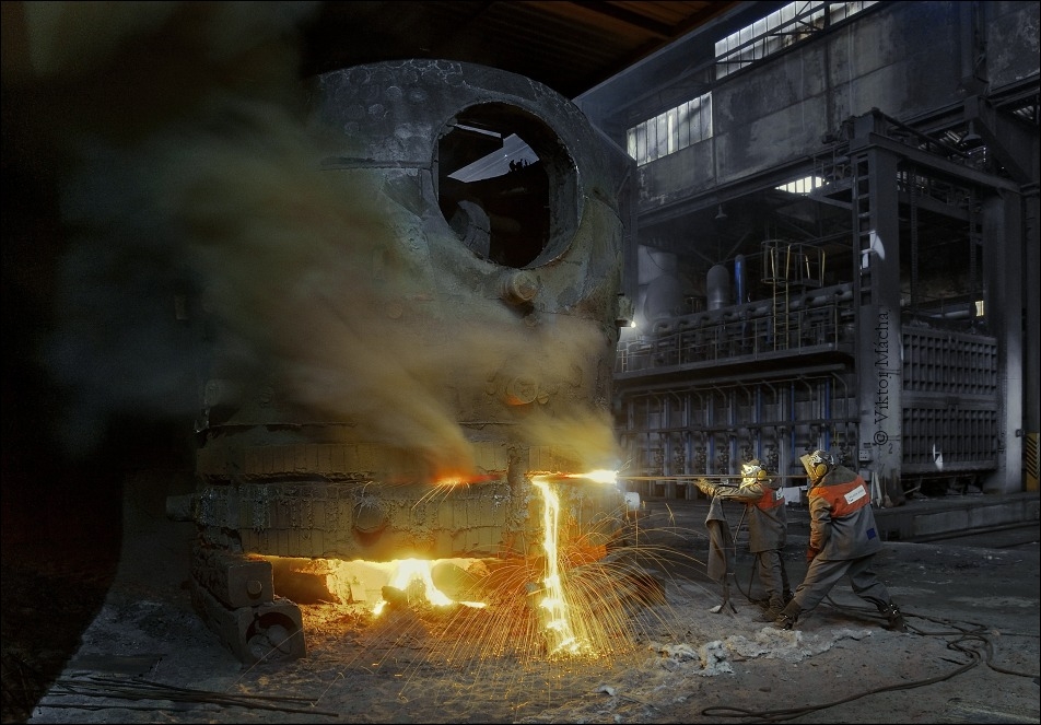 cast grinding at the steel foundry shop