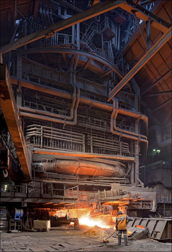 Evraz NTMK, taking a sample at the blast furnace no.5