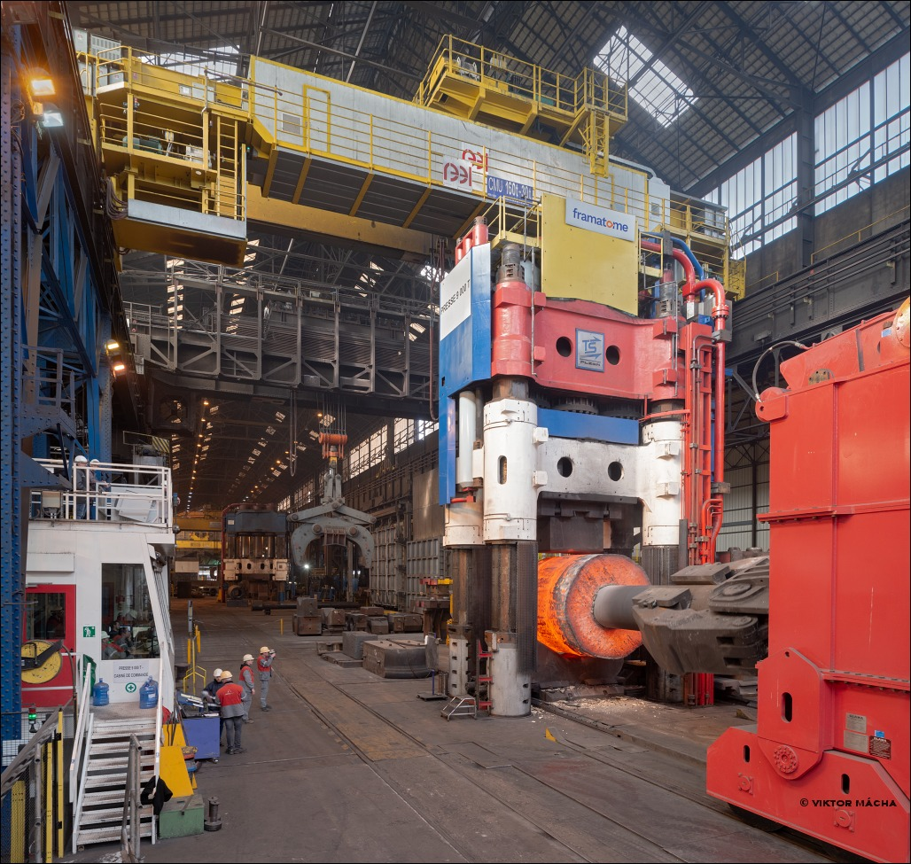 Framatome Le Creusot, forging at 9000-ton press