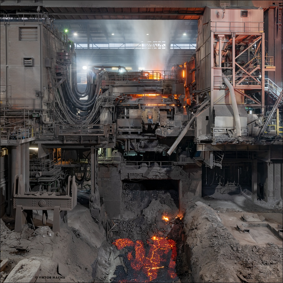 Industeel Charleroi, 200 t electric arc furnace