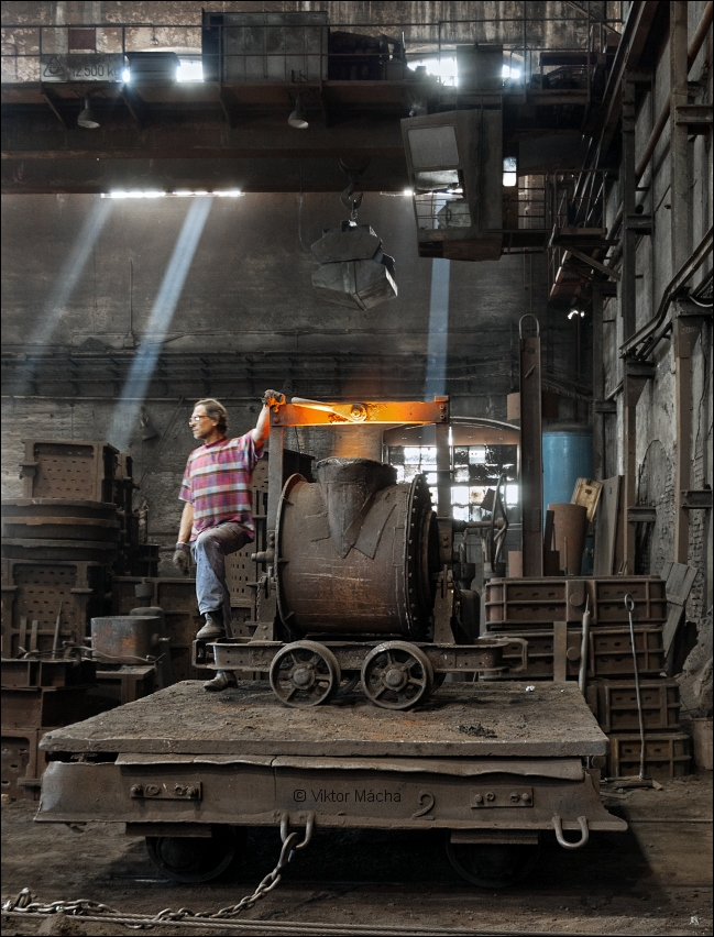 KD Foundry, by the ladle