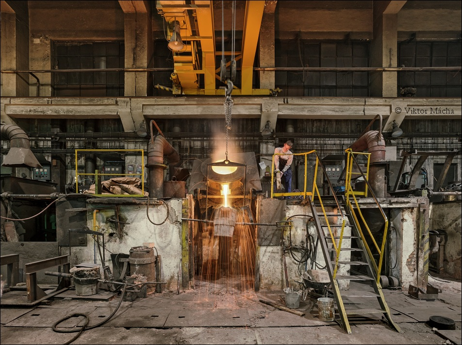 Kovohutě Rokycany, induction furnace
