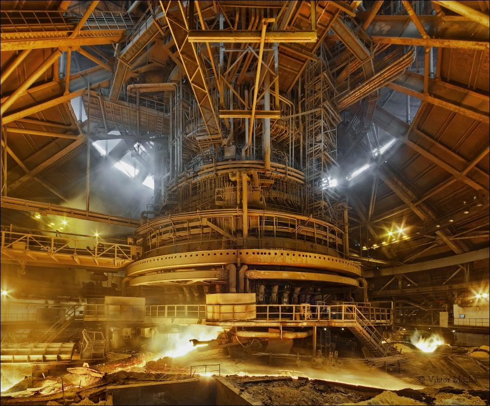 Krivorozhstal, tapping the blast furnace no.9