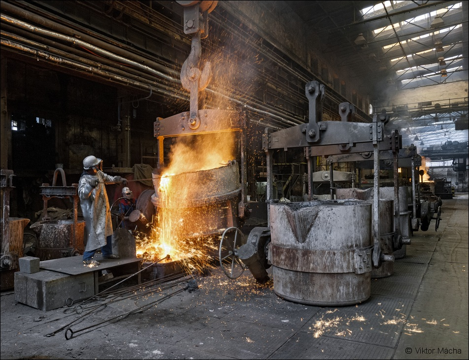 Pilsen Steel, slag removing