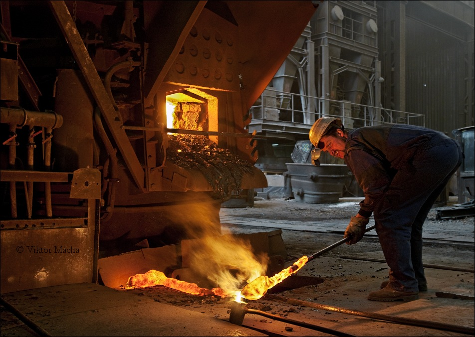 Chomutov foundry, taking a sample