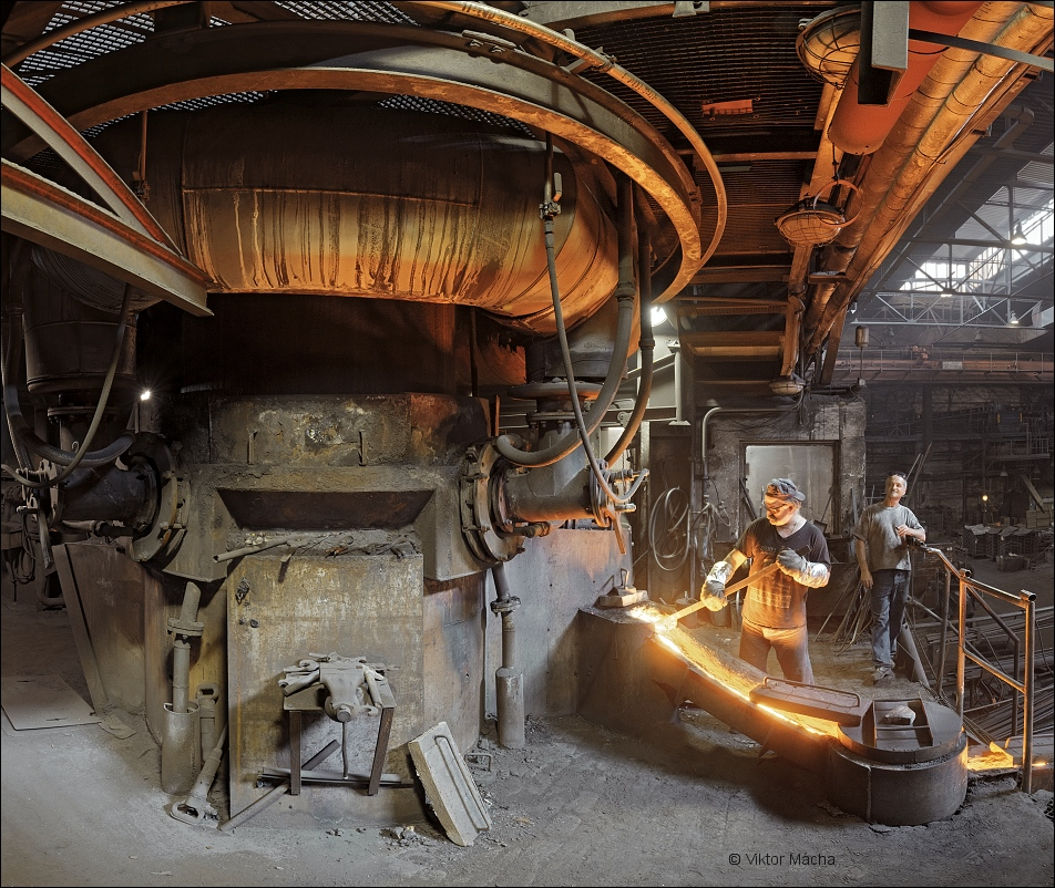 Ferex foundry, by the cupola furnace