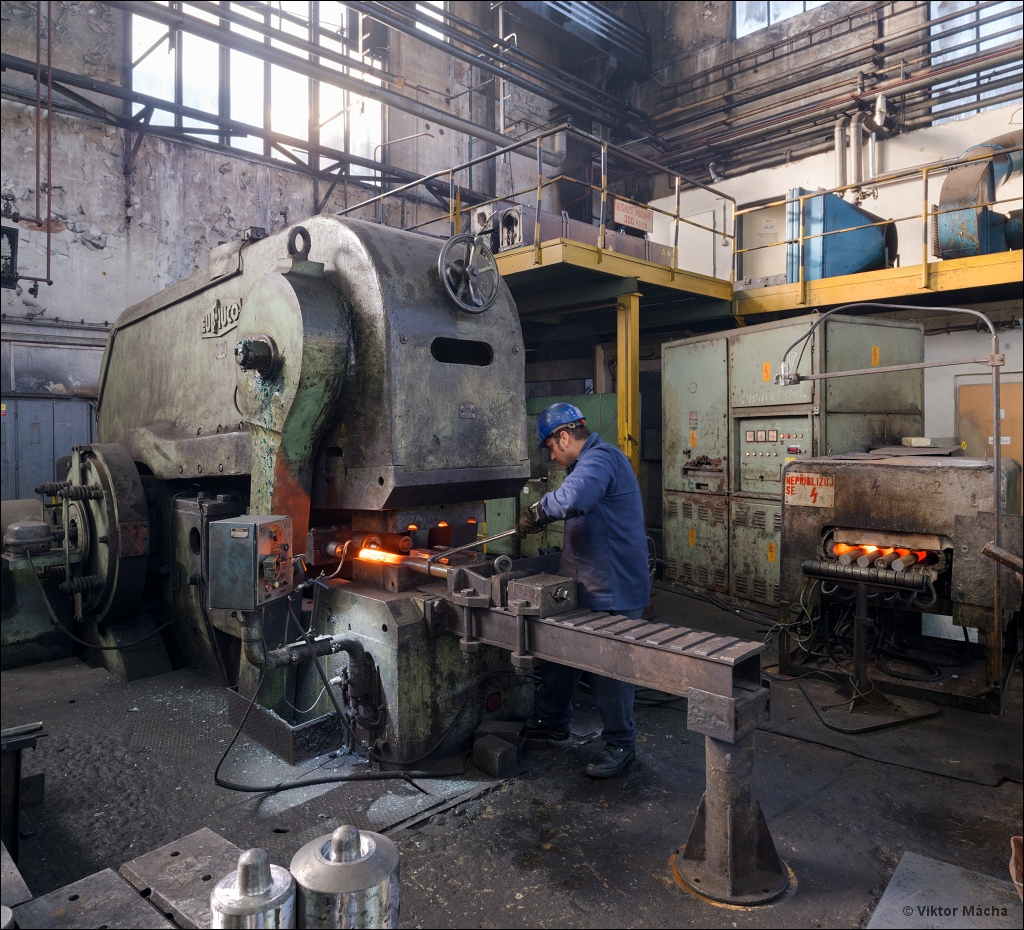 Tatra Kopřivnice, working at the forging press