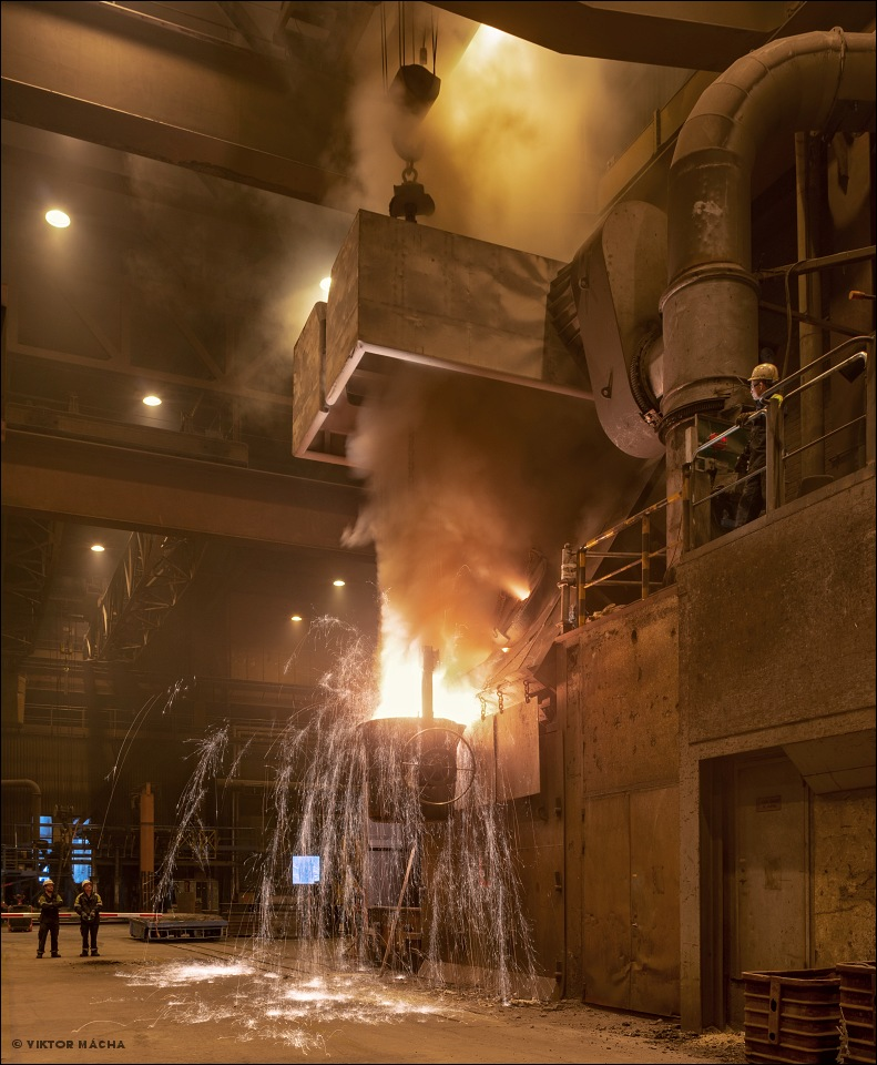 Union Electric Åkers, tapping the induction furnace