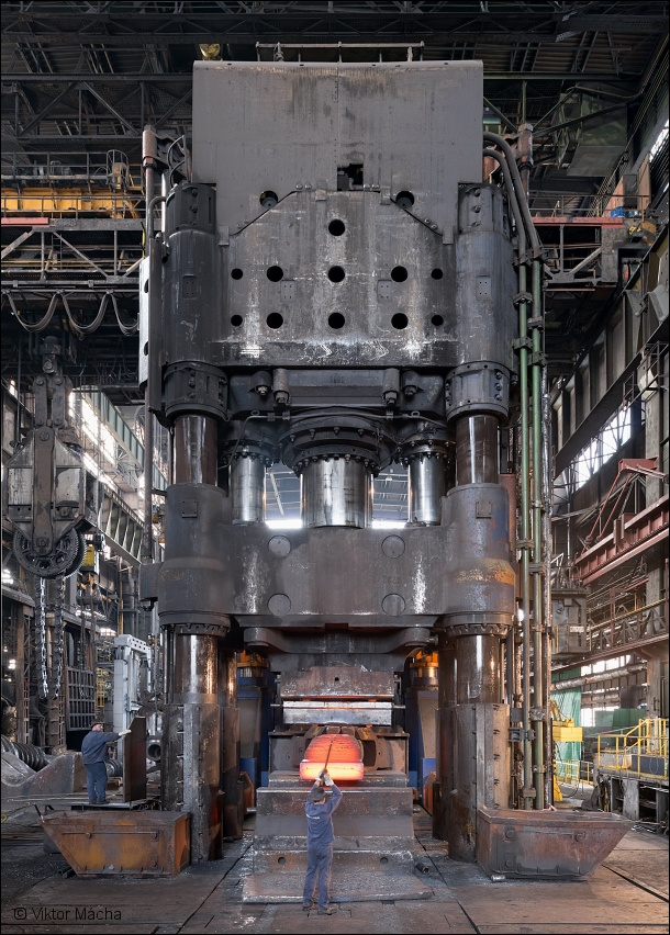 Vítkovice Heavy Machinery, forging at 120 MN press