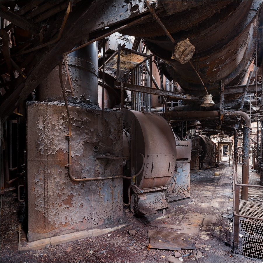Weirton Steel, passage between the blast furnaces